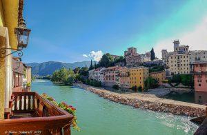 Bassano del Grappa - Blick von der Ponte Vecchio auf das Castello degli Ezzelini